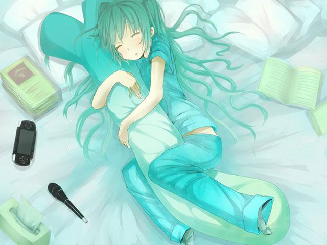 ねぎの抱き枕を抱いて眠るパジャマ姿の初音ミクの可愛いイラスト